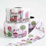 Ruban Petit Train Rose Tissé - Disponible au magasin L'Îlot Lamp' à Granville et sur notre site L'Îlot Lamp'. Retrouvez toute la collection de rubans ici !