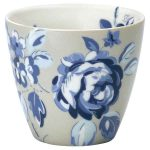 Mug Amanda Dark Blue Greengate - Disponible au magasin L'Îlot Lamp' à Granville et sur notre site L'Îlot Lamp'. Retrouvez la collection GreenGate !