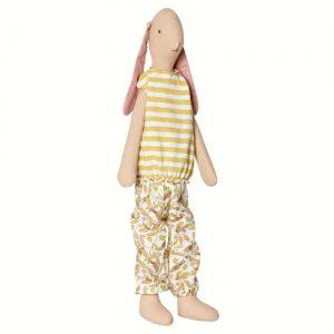 Maxi Bunny Kim - Maileg - Disponible au magasin L'Îlot Lamp' à Granville et sur notre site. Retrouvez la collection MAILEG !