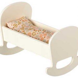 Berceau Cradle Micro White - Maileg - Disponible au magasin L'Îlot Lamp' à Granville et sur notre site. Retrouvez la collection MAILEG !
