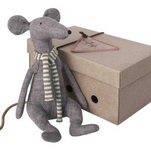 Cool Rat Blue - Maileg - Disponible au magasin L'Îlot Lamp' à Granville et sur notre site. Retrouvez la collection MAILEG !