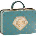 Metal Suitcase Blue Gold Stars - Maileg - Disponible au magasin L'Îlot Lamp' à Granville et sur notre site. Retrouvez la collection MAILEG !