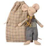 Winter Mouse Father - Maileg - Disponible au magasin L'Îlot Lamp' à Granville et sur notre site. Retrouvez la collection MAILEG !