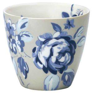 Mug Amanda Dark Blue Greengate - Disponible au magasin L'Îlot Lamp' à Granville et sur notre site L'Îlot Lamp'. Retrouvez la collection GreenGate !