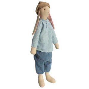 Medium Bunny Emil - Maileg - Disponible au magasin L'Îlot Lamp' à Granville et sur notre site. Retrouvez la collection MAILEG !