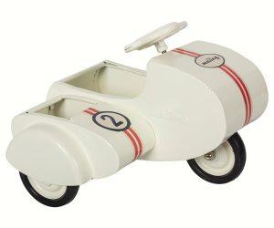 Scooter avec Sidecar Blanc - Maileg - Disponible au magasin L'Îlot Lamp' à Granville et sur notre site. Retrouvez la collection MAILEG !