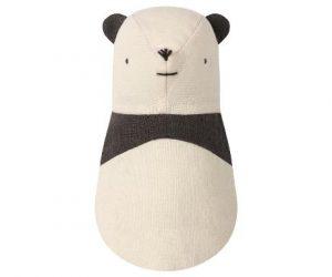 Noah's Friends Panda Rattle - Maileg - Disponible au magasin L'Îlot Lamp' à Granville et sur notre site. Retrouvez la collection MAILEG !