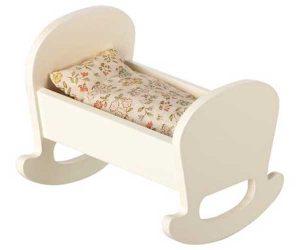 Berceau Cradle Baby Mouse - Maileg - Disponible au magasin L'Îlot Lamp' à Granville et sur notre site. Retrouvez la collection MAILEG !