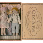 Dad And Mum In Cigar Box - Maile
